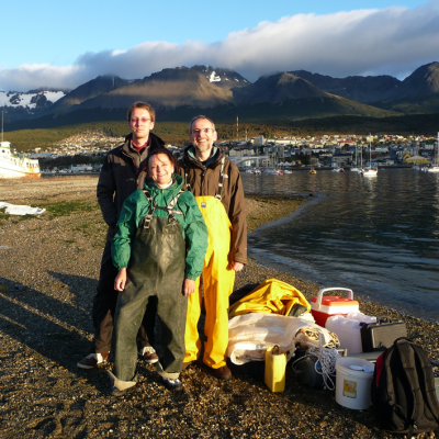 Preparing for Plankton sampling in the Beagle Channel on Ushuaia Beach, October 2012. Photo: Bernd Krock.