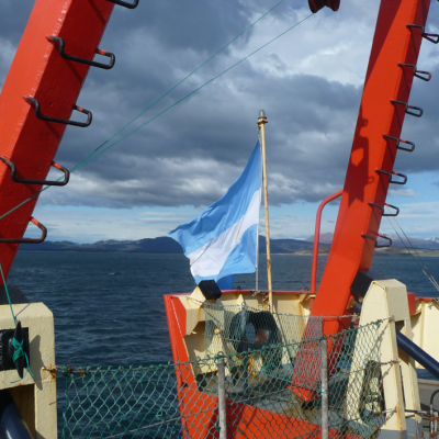 Onboard R/V Puerto Deseado in the Eastern Beagle Channel on the Patagonia Austral expedition 2012. Photo: Bernd Krock.